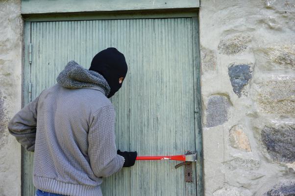How to Scare Burglars Away?